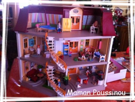 Maison playmobil maman poussinou blog lifestyle pr s for Photos maison playmobil