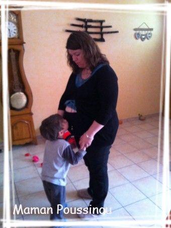 Poussin embrasse mon ventre 7 mois