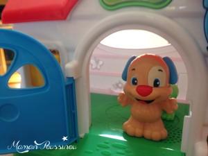 Les Poussinous jouent avec la maison de Puppy