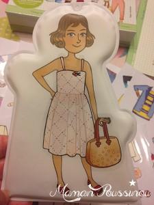 Retour en enfance avec le coffret Inès la Styliste – Habille ta poupée