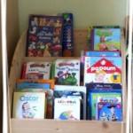 Les Poulets et leur Poussin aiment les livres pour enfants