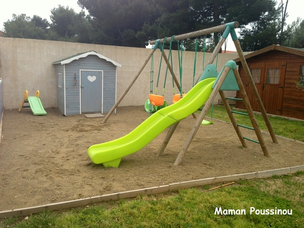 aire de jeux jardin portique et cabane bois