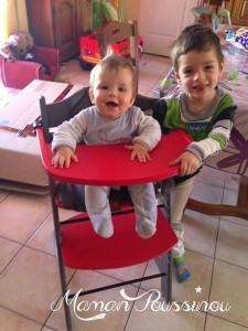 Mon bébé roi dans sa chaise haute évolutive Badabulle