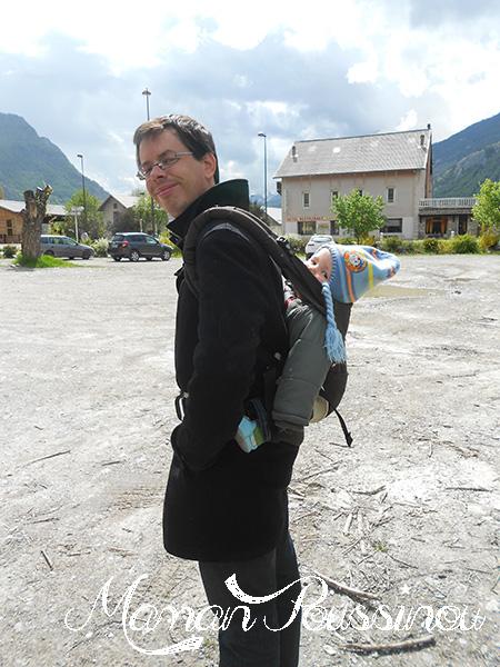 Comment un porte bébé a sauvé nos vacances à la montagne